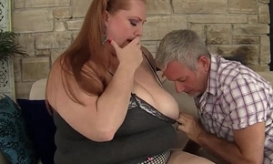Plumper queen Julie Ann Surrounding gets their way pussy pounded hard.
